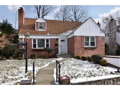 Westchester County Single Family Home For Sale: 12 Manning Circle