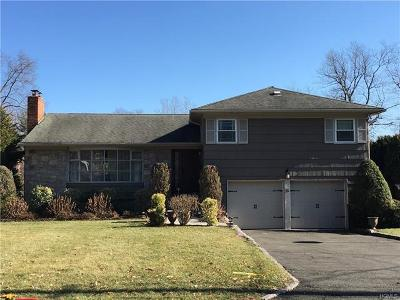 Rye Brook Single Family Home For Sale: 16 Dorchester Drive