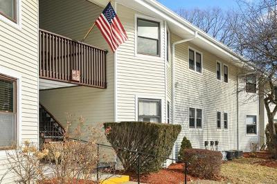 Yorktown Heights Condo/Townhouse For Sale: 28 Warwick Place #G