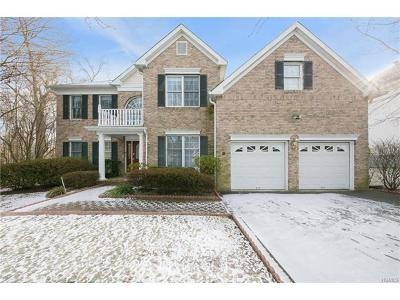 White Plains Single Family Home For Sale: 34 McGuiness Lane