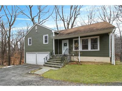 Westchester County Single Family Home For Sale: 22 Dawning Lane