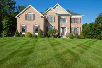 Dutchess County Single Family Home For Sale: 11 Kinsale Court