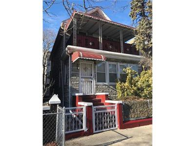 Multi Family 2-4 For Sale: 4127 Bronxwood Avenue