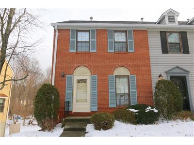 Westchester County Condo/Townhouse For Sale: 37 Poplar Circle