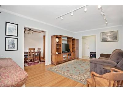 Westchester County Co-Operative For Sale: 100 Parkway Road #4A