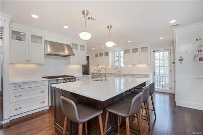 Larchmont Single Family Home For Sale: 14 Birchfield Road