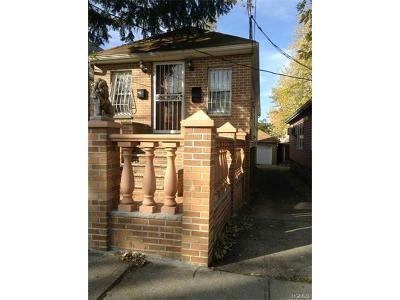 Bronx NY Single Family Home For Sale: $340,000