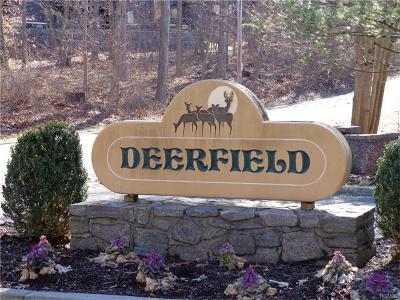 Ossining Condo/Townhouse For Sale: 64 Deerfield Lane
