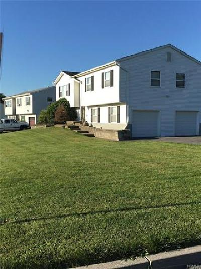 Newburgh Single Family Home For Sale: 401 Plum Court