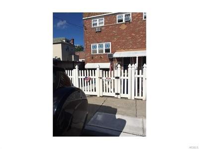 Bronx NY Single Family Home For Sale: $555,000