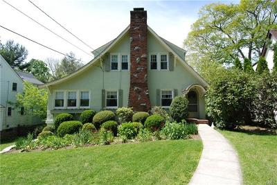 Larchmont Single Family Home For Sale: 75 Briarcliff Road
