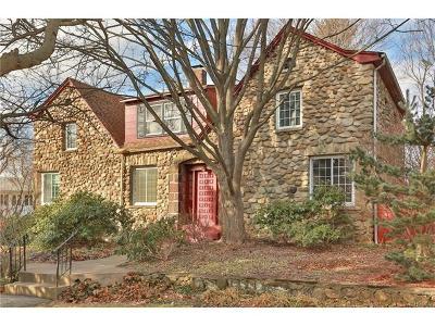 Single Family Home For Sale: 11 Tennyson Drive