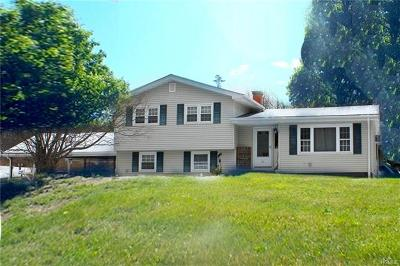 Monroe Single Family Home For Sale: 25 Merriewold