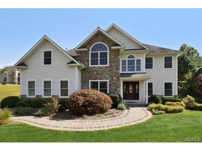 Poughkeepsie Single Family Home For Sale: 8 Kimlin Court