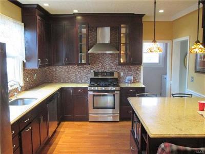 White Plains Single Family Home For Sale: 151 Longview Avenue