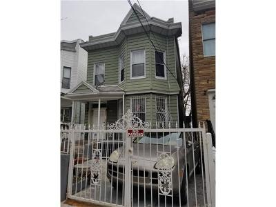 Multi Family 2-4 For Sale: 2072 Anthony Avenue