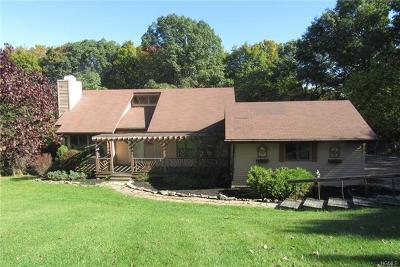 Marlboro Single Family Home For Sale: 233 Hillcrest Manor Drive