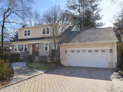 New Rochelle Single Family Home For Sale: 53 Seton Drive
