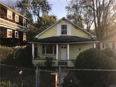 White Plains Single Family Home For Sale: 27 Dobbs Ferry Road