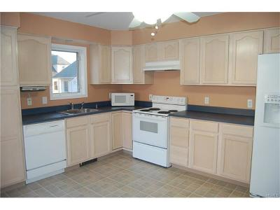 New Rochelle Rental For Rent: 23 Whitestone Place #2
