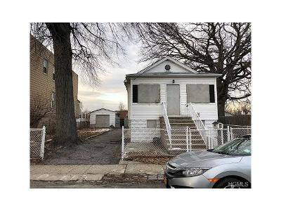 Single Family Home For Sale: 2739-41 Gifford Avenue