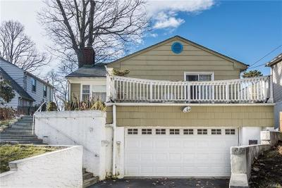 White Plains Single Family Home For Sale: 103 Woodcrest Avenue