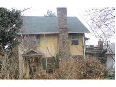 Tuckahoe Single Family Home For Sale: 8 Cottage Place