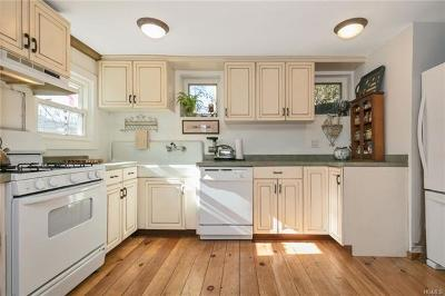 Single Family Home For Sale: 523 Willow Grove Road