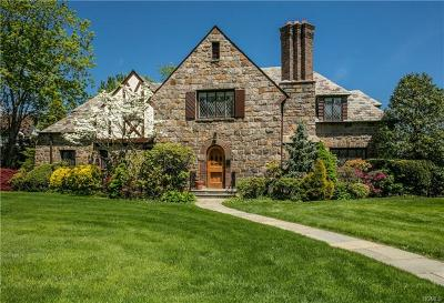Larchmont Single Family Home For Sale: 51 Shore Drive