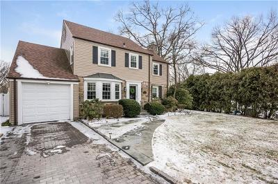 Hartsdale Single Family Home For Sale: 70 Yale Road