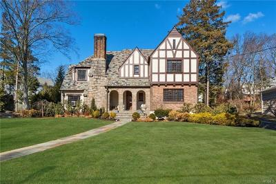 New Rochelle Single Family Home For Sale: 72 Victory Boulevard