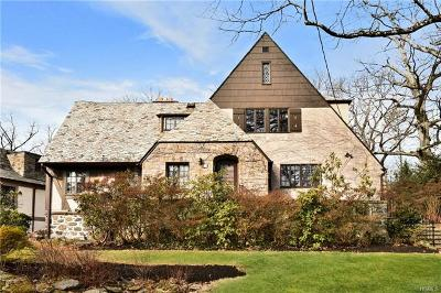 Larchmont Single Family Home For Sale: 11 Birchfield Road