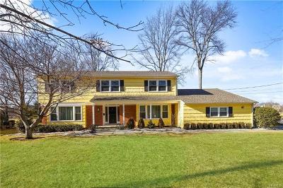 White Plains Single Family Home For Sale: 47 Sammis Lane