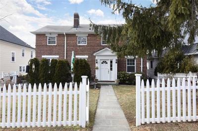 New Rochelle Single Family Home For Sale: 90 Perth Avenue