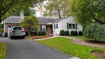 New Rochelle Single Family Home For Sale: 67 Hilary Circle