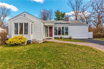 Westchester County Single Family Home For Sale: 93 Hilltop Road