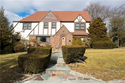 New Rochelle Single Family Home For Sale: 93 Wykagyl Terrace