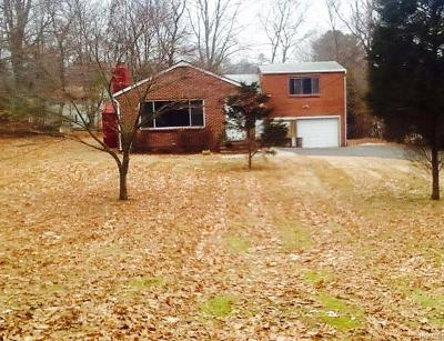 Single Family Home For Sale: 38 Schriever Lane