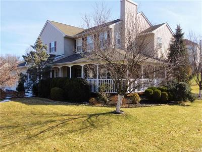Wappingers Falls Single Family Home For Sale: 4 Barberry