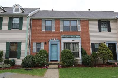 Peekskill Condo/Townhouse For Sale: 15 Winterberry Court