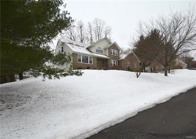 Single Family Home For Sale: 8 Anderson Road