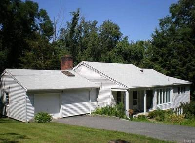 Westchester County Single Family Home For Sale: 15 Pond Hill Road
