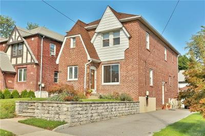 New Rochelle Single Family Home For Sale: 54 Thomas Place