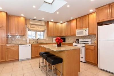 Yonkers Single Family Home For Sale: 18 Delaware Road