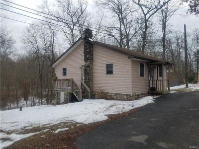 Cuddebackville Single Family Home For Sale: 14 Sweet Fern Drive
