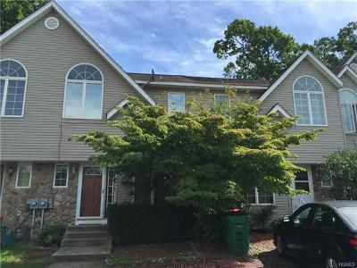 Dutchess County Rental For Rent: 90 Roundtree Court