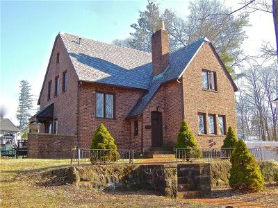 Single Family Home For Sale: 15 Woodland Drive