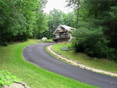 Middletown Single Family Home For Sale: 3 Otis Road