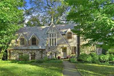 Scarsdale Single Family Home For Sale: 2 Woods Lane