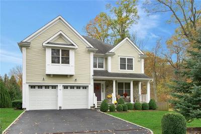 White Plains Single Family Home For Sale: 93 Robinhood Road